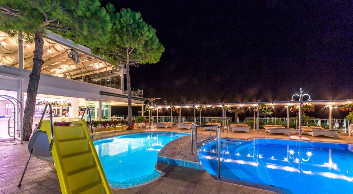 Swimmingpool f r kinder dienstleistungen im hotel - Piscina per bimbi ...