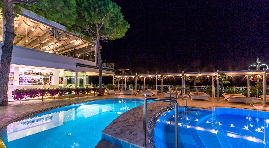 Piscina per bambini servizi hotel nettuno jesolo - Hotel con piscina riscaldata per bambini ...